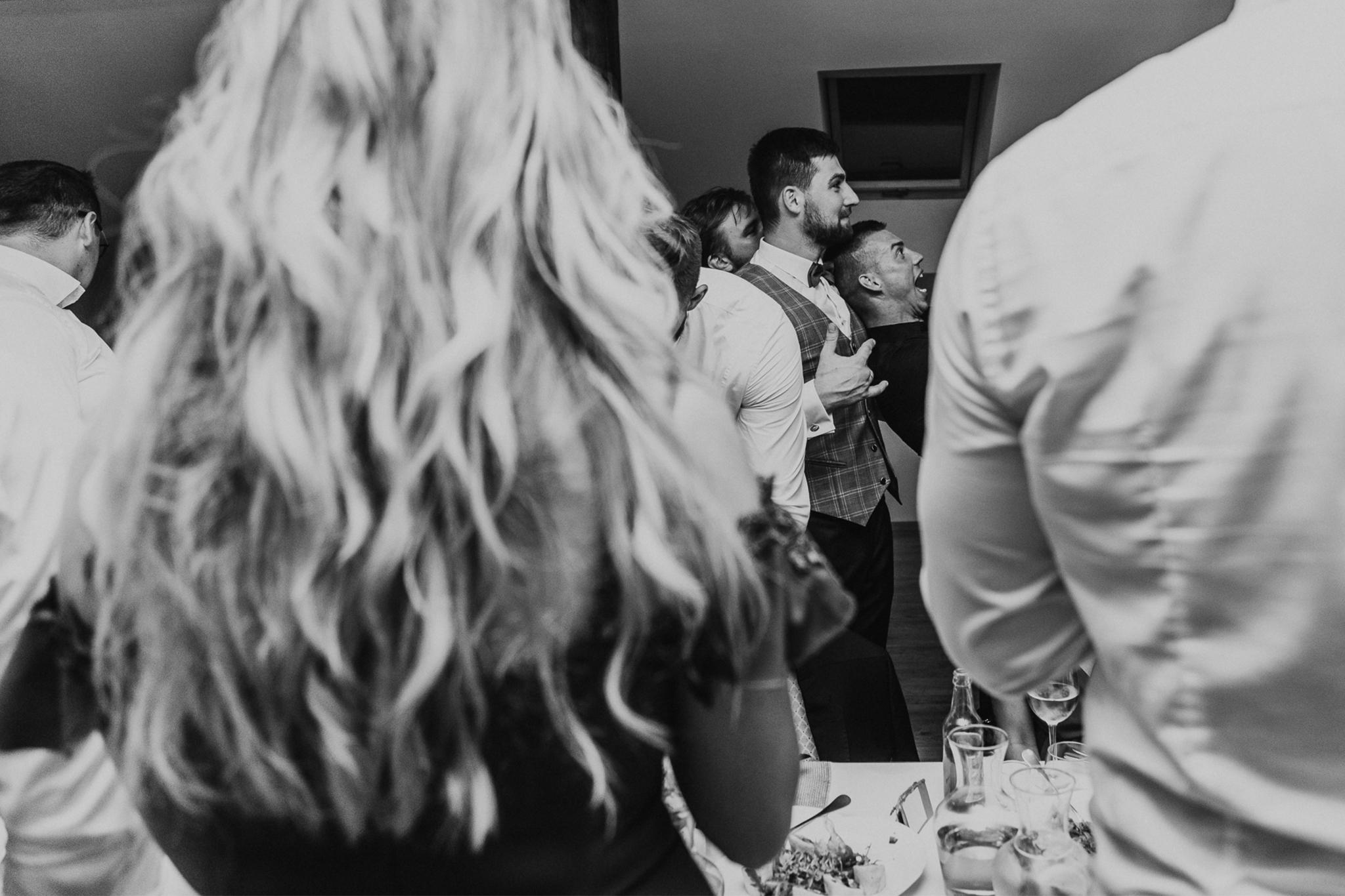 fotograf-na-slub-grodzisk-mazowiecki-warszawa-mazowieckie-milanowek-slub-rustykalny-wesele-rustykalne-boho-detale-slubne-fotograf-slubny-warszawa-romantyczny-slub-uslugodawcy-slubni-warszawa